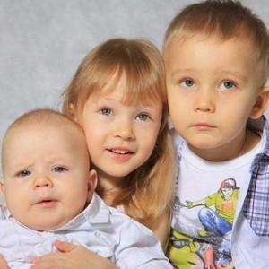 сколько должен платить алиментов отец на 3 детей в россии