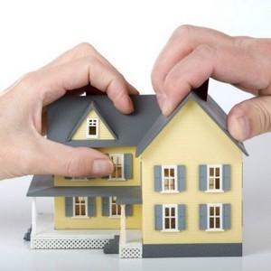 как разделить квартиру при разводе если она по долям