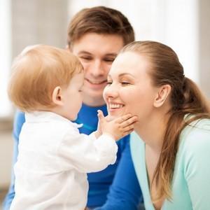сколько платят приемным родителям за ребенка