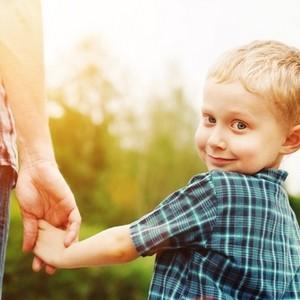 разница между опекунством и усыновлением