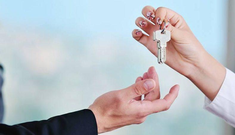 Как подарить долю в квартиру близкому родственнику