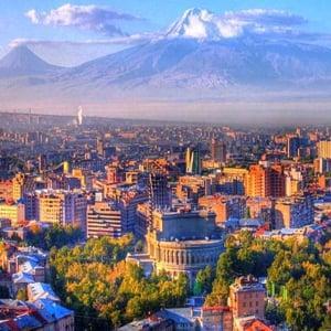 Как гражданам России уехать работать в Армению: вакансии и оформление визы