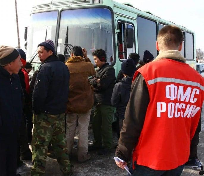Можно ли анонимно депортировать человека из России